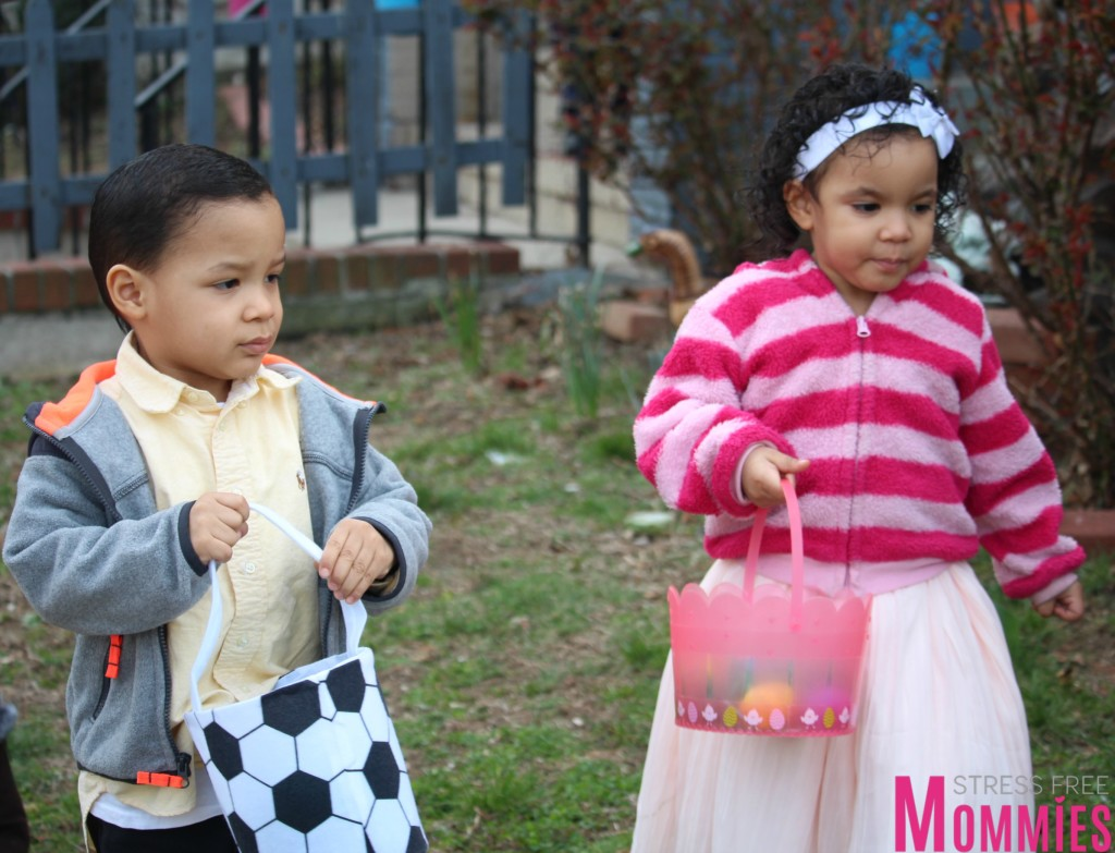 twins egg hunting