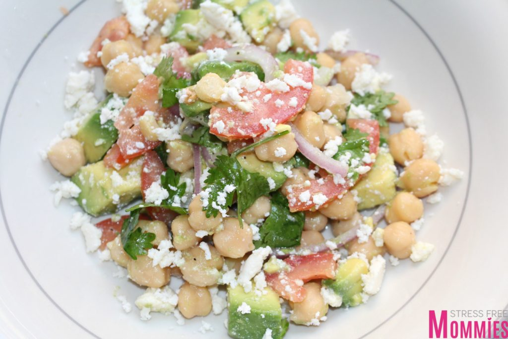 Simple garbazon and avocado salad, you have to make it today! With a few ingredients, you have yourself a hearty, refrshing, creamy salad. This one should be in every family even you go to and will be a perfect addition to your holidays salad menu.