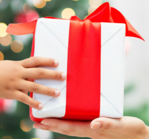 7 practical ways to save money on Christmas presents