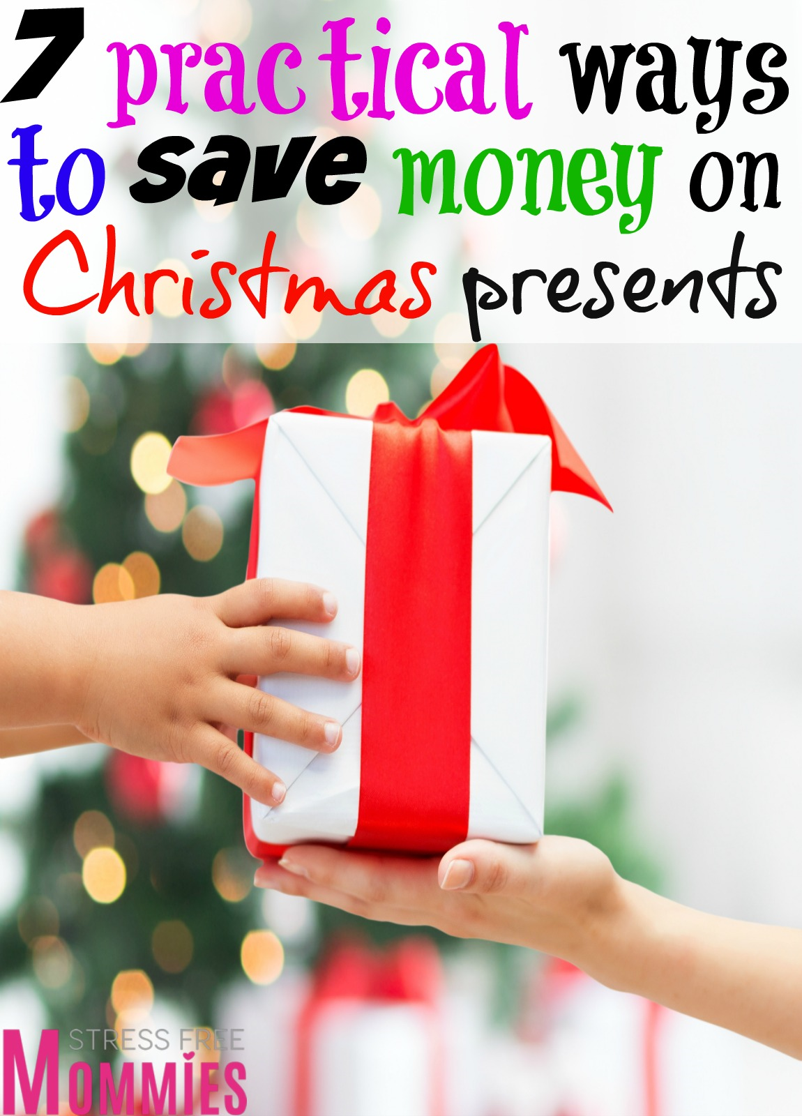 This is how to save money on Christmas presents! Simple but effective tips that's going to help you save money on those expensive Christmas presents!