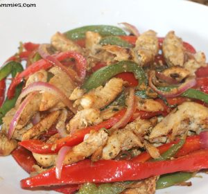 super easy chicken fajitas (perfect weeknight meal)
