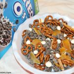 Super easy after-school snack mix with Oreo O's