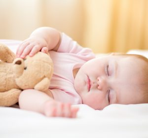 Helpful tips and tricks to help your baby sleep longer through the night. Easy ways you and your baby can achieve more sleep! Stress free and effective baby sleep tips.