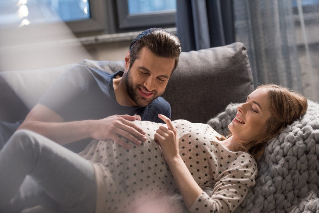 how dads can support their partner during labor and delivery