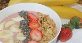 easy strawberry and banana smoothie bowls