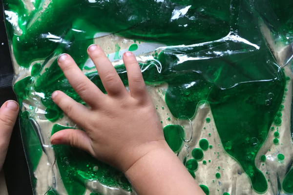 oil and water toddler fun